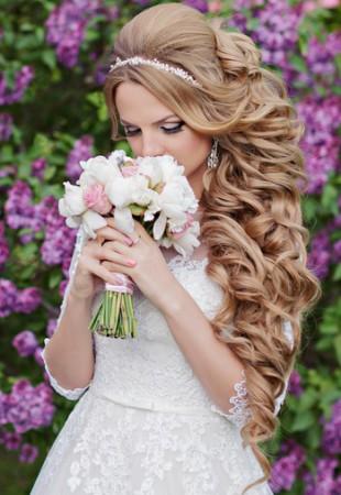 длинные локоны прическа на свадьбу 2015 13