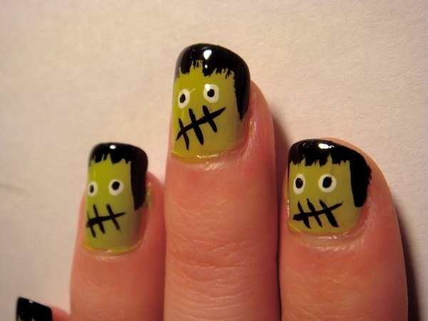 nailart-Frankenstein-nails-for-Halloween-min