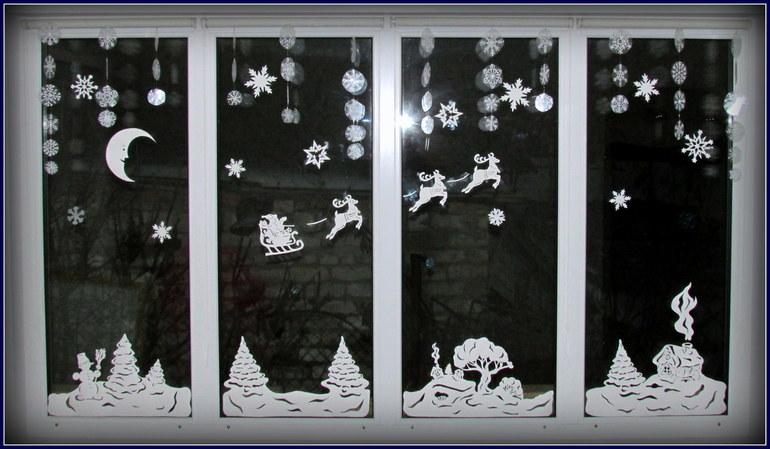 Новогодние вытынанки на окнах 2018